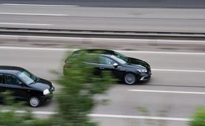 Identificado un conductor que se grabó a 210 km por hora y difundió el vídeo por redes sociales