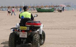 Un detenido se escapa dos veces de la policía en Valencia y huye descalzo y esposado