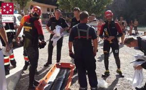 Rescatan a nado a un hombre que cayó cinco metros desde una cueva al río en Montanejos