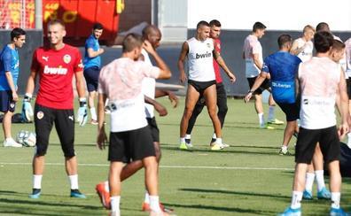 Rodrigo entrena y podría jugar contra la Real Sociedad