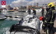 Seis heridos al arden una embarcación en Benicarló