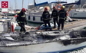 Seis heridos al arder una embarcación de recreo en Benicarló