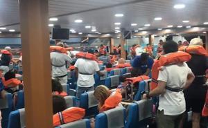 Vídeo: así ha sido la evacuación de los 400 pasajeros del ferry encallado en Dénia