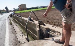 La CHJ multa a Ribó por verter aguas residuales a la acequia de Mestalla