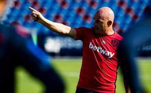 Paco López quiere cumplir los 50 partidos con saldo positivo