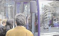 Las obras en La Isleta provocan el cambio de lugar de las paradas de bus y taxi