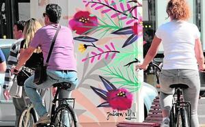 Las multas a coches crecen mientras bajan las sanciones a bicicletas en Valencia