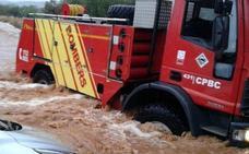 Así ha sido el rescate de varias personas atrapadas por la lluvia en Benicarló
