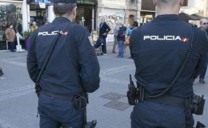 La Policía Nacional advierte del peligro de coger llamadas que empiecen por el prefijo 0056