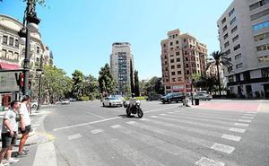 Los atascos en la calle Ruzafa obligan a restringir más el paso del tráfico