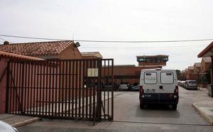 A prisión una valenciana y su marido de Caudete por la muerte de sus dos bebés con un año y medio de diferencia