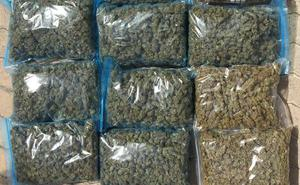 Detenido tras recibir once kilos de marihuana por mensajería en su casa de Valencia