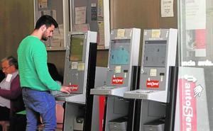 El Consell dejó perder 235 millones de euros en ayudas para desempleados el año pasado