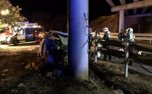 Identificado gracias al smartwatch un conductor que ha muerto carbonizado tras estrellarse contra un pilar