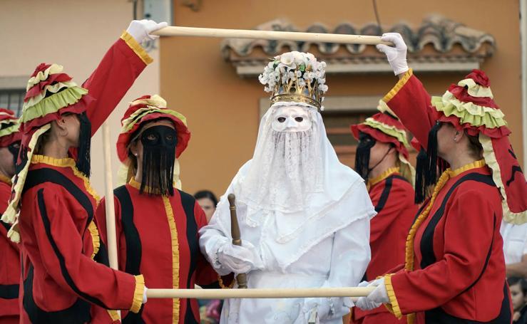 Almàssera celebra el Corpus Christi dos meses después