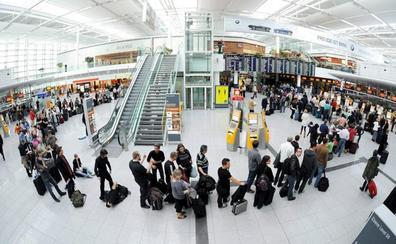 Un español hace saltar las alarmas y provoca la cancelación de 130 vuelos en Múnich tras equivocarse de puerta en el aeropuerto