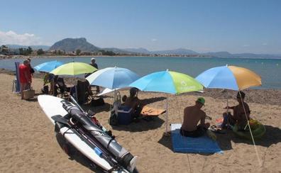 Cierran una playa de Dénia y cinco de Vinaròs por bacterias fecales