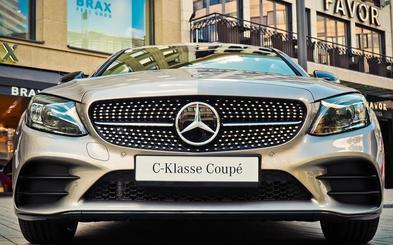 Pide probar un Mercedes en un concesionario holandés y huye con el coche a Galicia