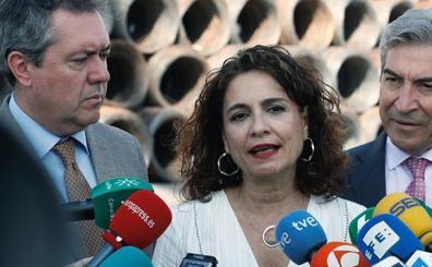 El Ejecutivo culpa a la oposición de la asfixia económica de las comunidades
