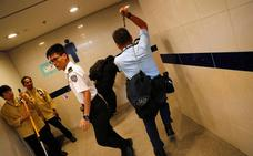 Al menos cinco heridos graves tras los enfrentamientos en Hong Kong