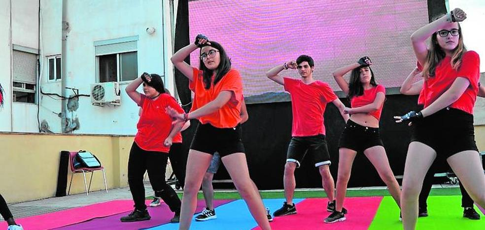 K-Pop, fotografía y escritura creativa en el nuevo curso de Gent Jove de Aldaia