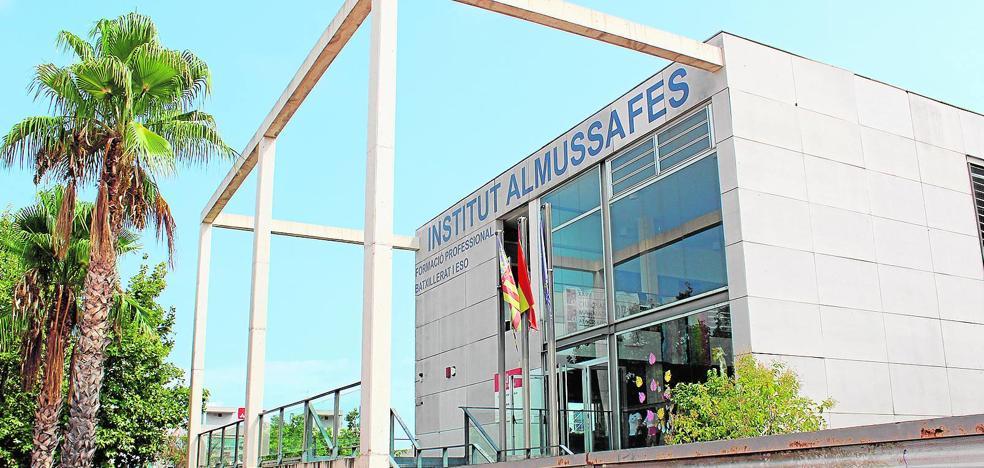 El instituto de Almussafes propone a sus alumnos que se desplacen al centro en bicicleta