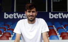 «Pese a la oferta del Sevilla, estoy contento de seguir en el Levante»