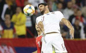 Guedes despierta del letargo con Portugal