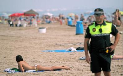 La Policía Local bate récords de incautaciones de droga en las playas