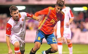 Ferran ya es titular en la sub-21 y roza su primer gol