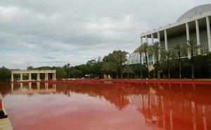 La fuente del Palau de la Música vuelve a su color original