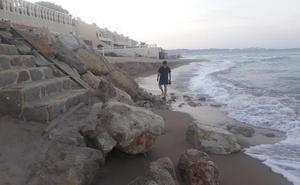 Costas reconoce a Tavernes que la playa de la Goleta nunca ha sido «prioridad máxima»