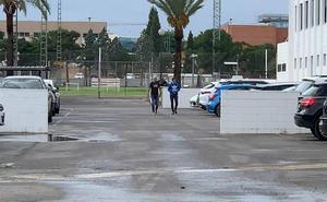 Marcelino se despide de los futbolistas del Valencia CF