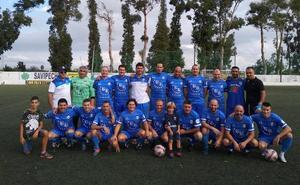 Oliva, Transilvania y Kamarca Dénia lideran la liga de fútbol de veteranos