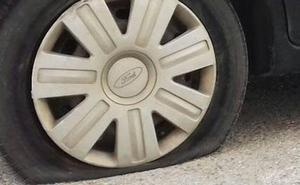 Pinchan las cuatro ruedas del coche a la alcaldesa de Moncada