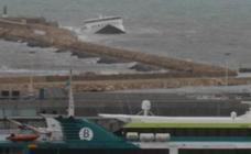 El mar se traga el ferry de Dénia