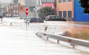 La gota fría aísla Orihuela, siembra el caos en la Vega Baja y obliga a pedir ayuda a la UME