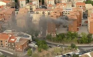 El helicóptero de la Vuelta muestra un incendio en una vivienda de Toledo
