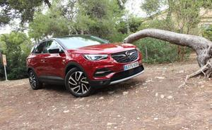 Opel Grandland X: Capaz de salir del asfalto