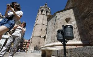 Valencia saca a concurso público la contratación del servicio de papeleras