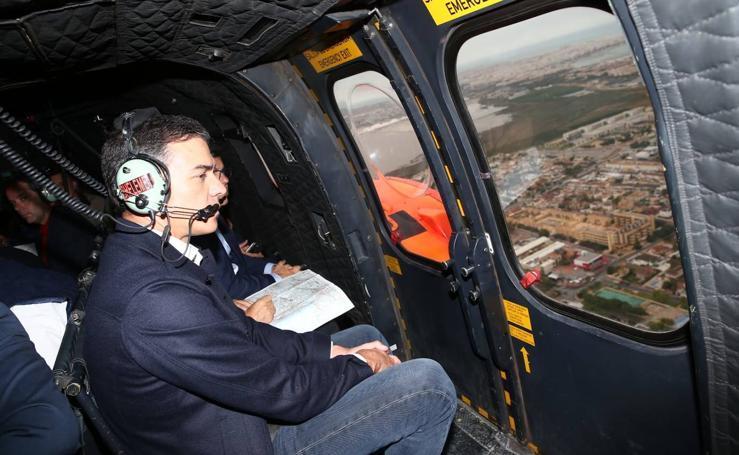 Pedro Sánchez sobrevuela las zonas afectadas por la DANA