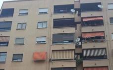 La policía investiga la muerte de un padre y su hijo al caer de un quinto piso en Gandia