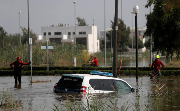 Las imágenes más impactantes de la gota fría en la Comunitat Valenciana y Murcia