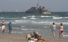 La Armada destituye al capitán que encalló en un arrecife cuando recuperaba los restos de un avión estrellado