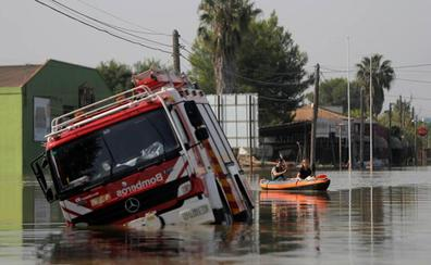 Los bomberos de Alicante pierden 15 de sus 27 camiones en las inundaciones