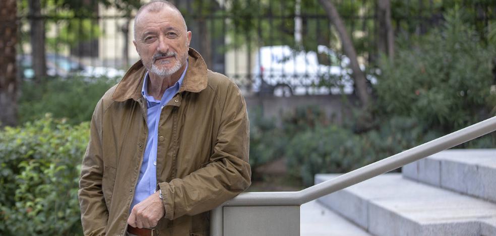 «España condena, odia y destruye la inteligencia», asegura Pérez-Reverte