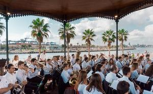 Las bandas vuelven a deleitar al público de la Marina