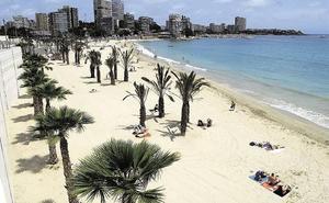 Interceptada una patera en las costas de Alicante con diez personas a bordo