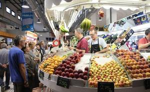 Los españoles tiran a la basura más de 1.300 millones de kilos de alimento al año pero sólo el 7% lo reconoce