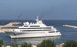 Uno de los yates más caros del mundo atraca en Dénia